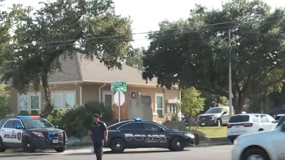 3 police officers shot responding to 911 call at Texas home thumbnail