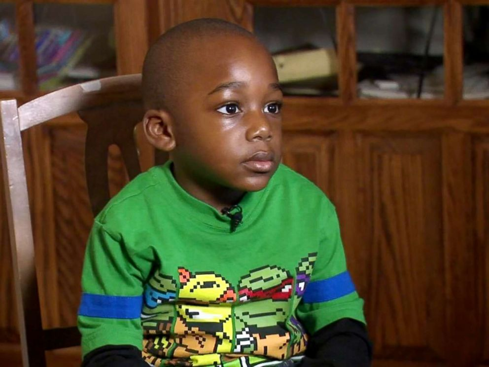 PHOTO: Several organizations have since donated books to the Chicago boy and his 7-year-old sister, Jael.
