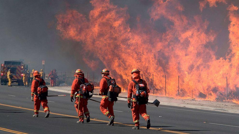 'Hier starten': Hohe Winde Kraftstoff Kalifornien feuert, Haus der Abstimmung über die vertrauensfrage Anfrage