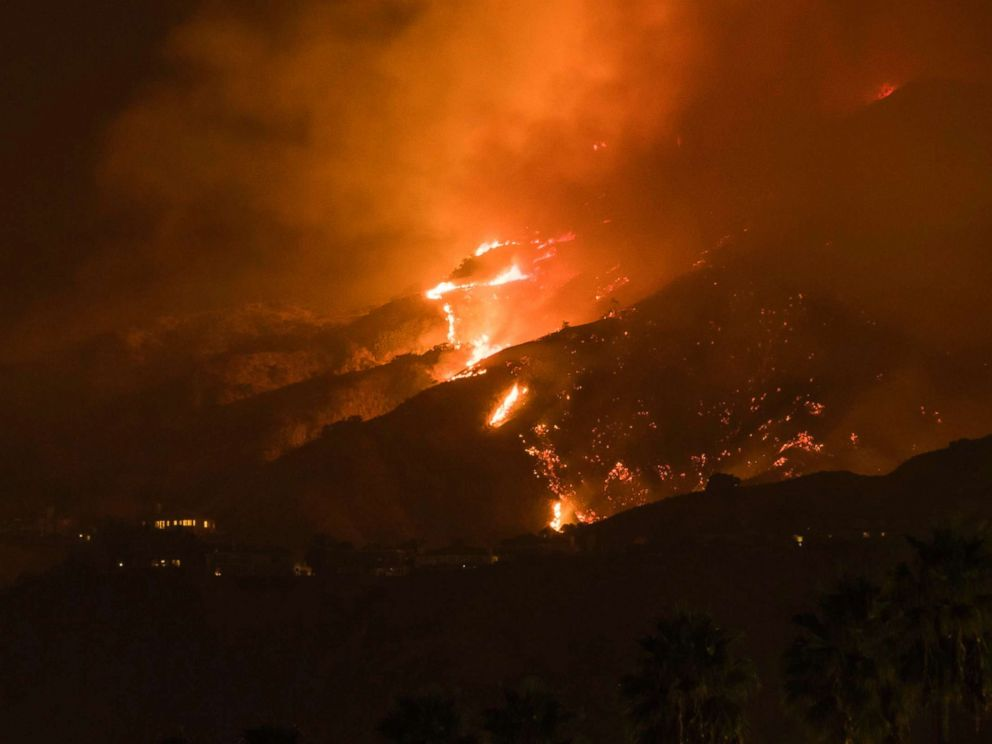 PHOTO: The La Tuna Canyon fire burns in the hills above Burbank, Calif., early Sept. 2, 2017.