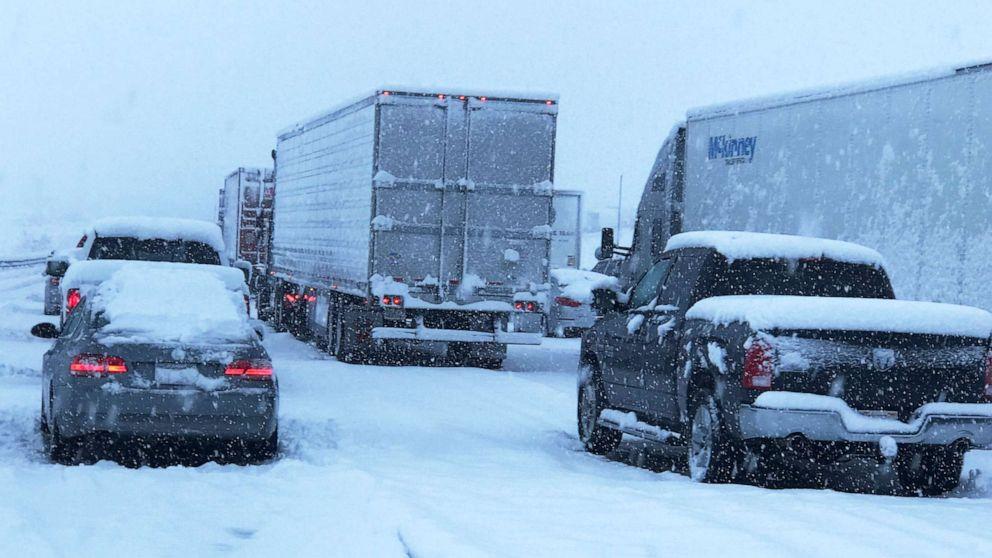 Großen Sturm in Richtung Osten mit starkem Schneefall, schwere gewitter