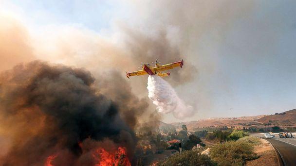 https://s.abcnews.com/images/US/california-southern-fire-ap-ml-181113_hpMain_16x9_608.jpg