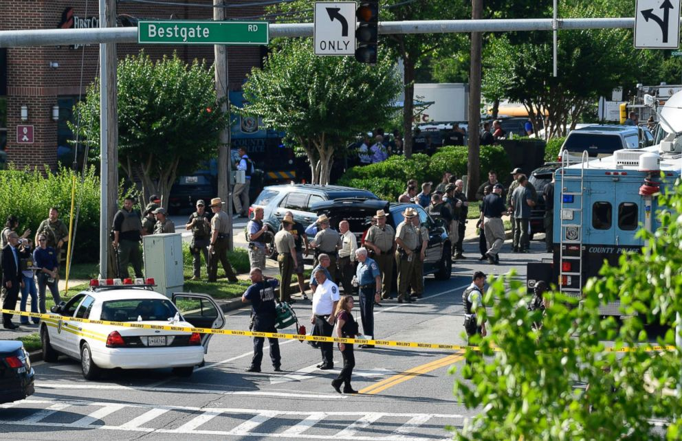 PHOTO: Police secure the scene of a shooting at an office building housing The Capital Gazette newspaper in Annapolis, Md., June 28, 2018.