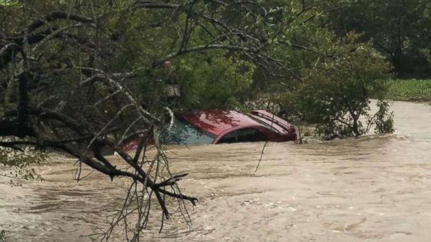 https://s.abcnews.com/images/US/car-flood-texas-ho-mo-20181016_hpMain_16x9_608.jpg