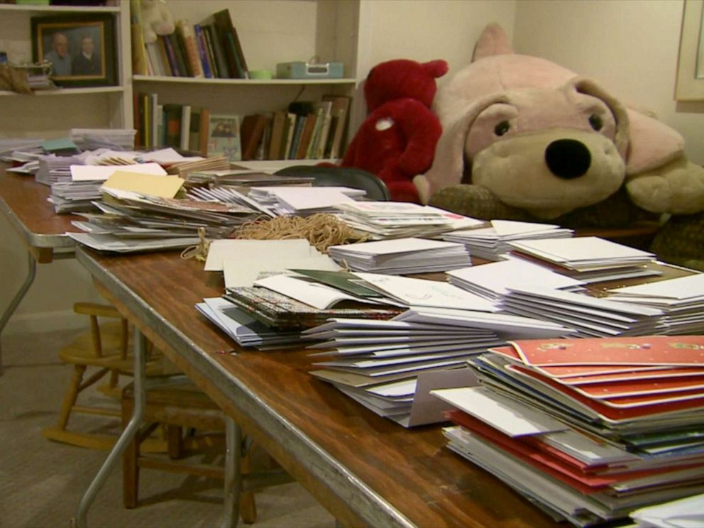 PHOTO: Laura Landerman-Garber has been collecting and sending holiday cards to troops in the U.S. and overseas for 16 years. This year, she is sending more than 160,000.