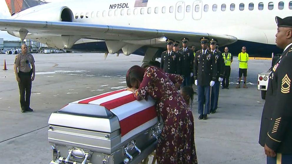 https://s.abcnews.com/images/US/casket-myeshia-johnson-abc-jef-171018_16x9_992.jpg