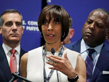 FBI agents search homes and office of Baltimores embattled mayor