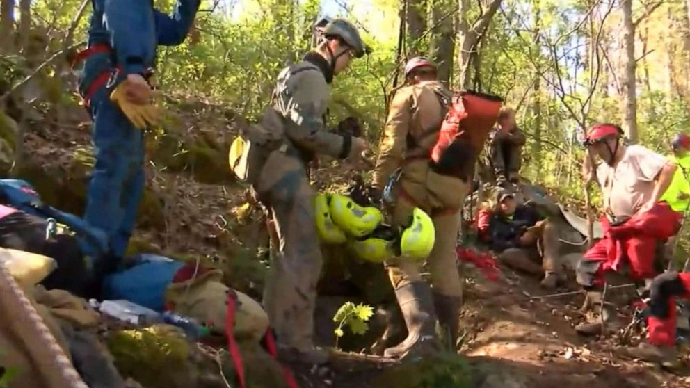 5 people trapped in Virginia cave rescued: Officials thumbnail