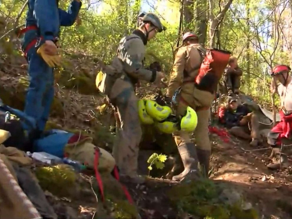 Emergency crews trying to rescue 5 men trapped in cave in Virginia