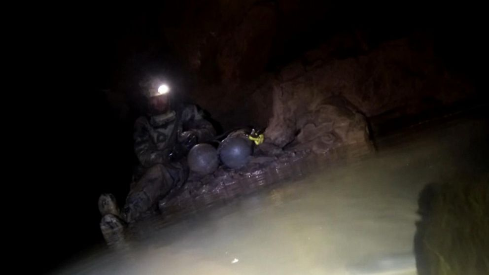 Exclusive video obtained by ABC News goes inside a murky, underwater cave in Tennessee during the daring rescue of a highly-experienced British diver who went missing while exploring.