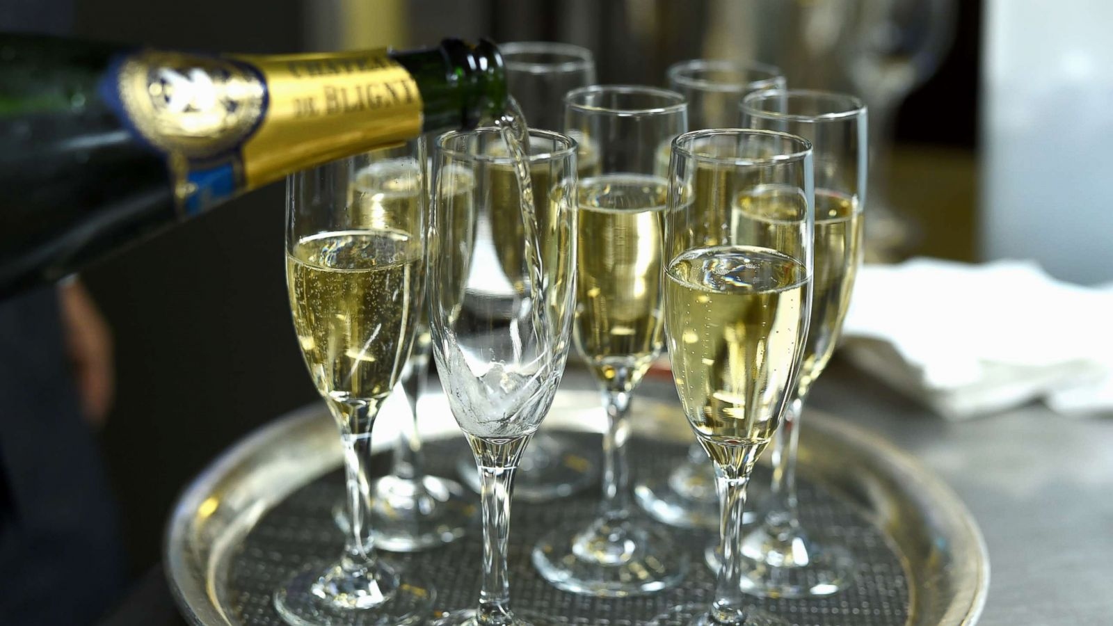 Champagne Vs Sparkling Wine Everything You Need To Know Abc News