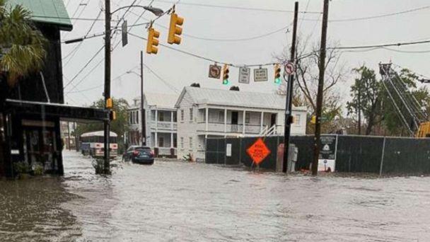 https://s.abcnews.com/images/US/charleston-flooding-ugc-mo-20181215_hpMain_16x9_608.jpg