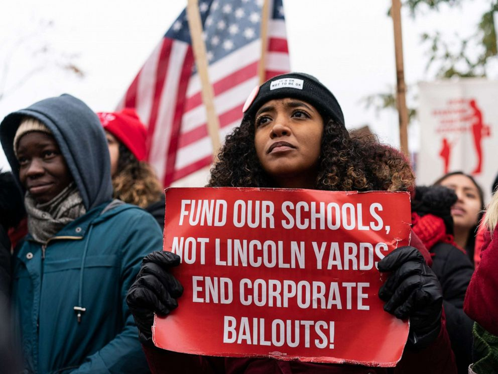 Striking Chicago teachers: We'll return if classes made up