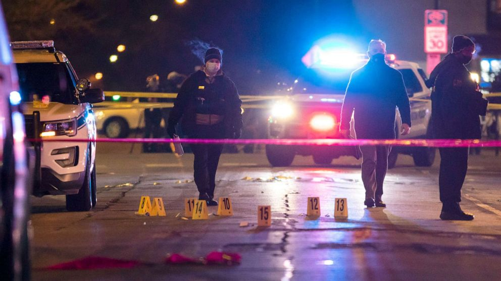 4 dead following shooting spree in Chicago area - ABC News