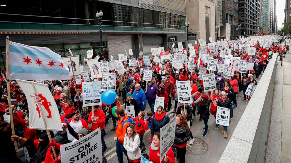 Chicago teachers strike enters its 2nd day thumbnail