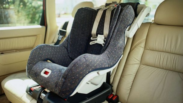 Bill would require warning for children left in hot cars as number of deaths rises