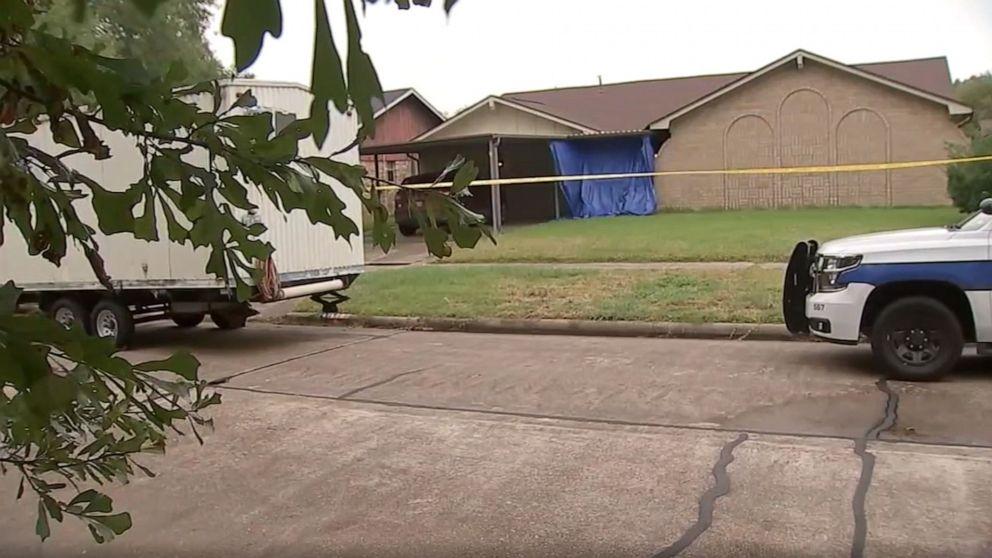 Τέξας μαμά, πρόσφατα χωρισμένος, σκοτώνει 3 μικρά παιδιά και τον εαυτό της, λέει ο ιατροδικαστής