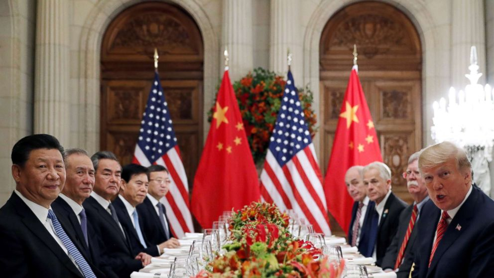 High-stakes trade talks with China underway at White House thumbnail
