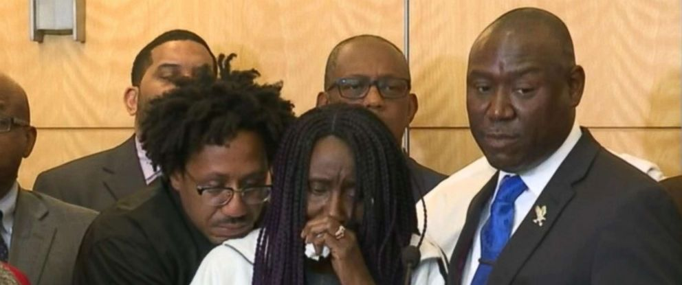 PHOTO: The family of Stephen Clark and the familys attorney Benjamin Crump speak a press conference, March 26, 2018.