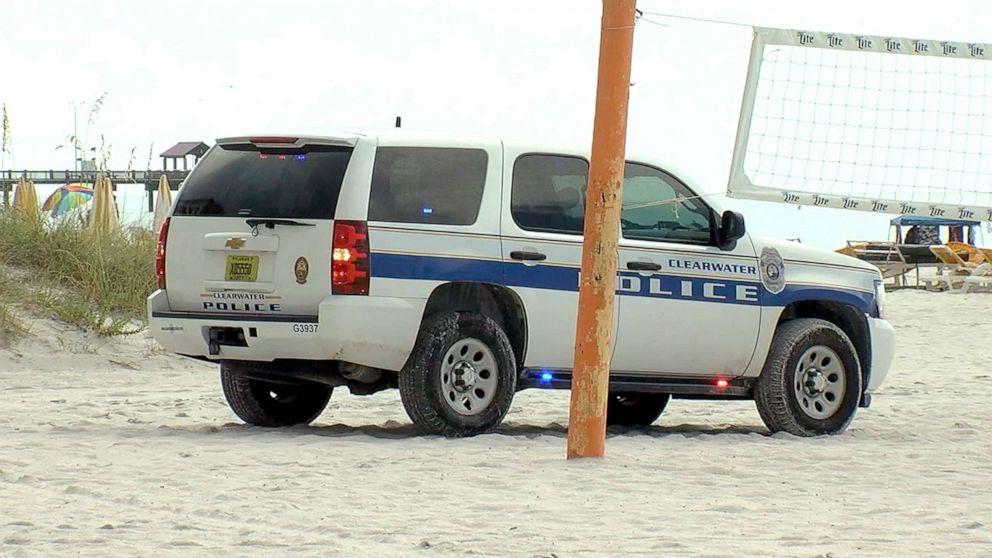 8 injured after lightning strike at beach thumbnail
