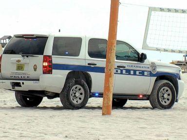 8 injured after lightning strike at beach