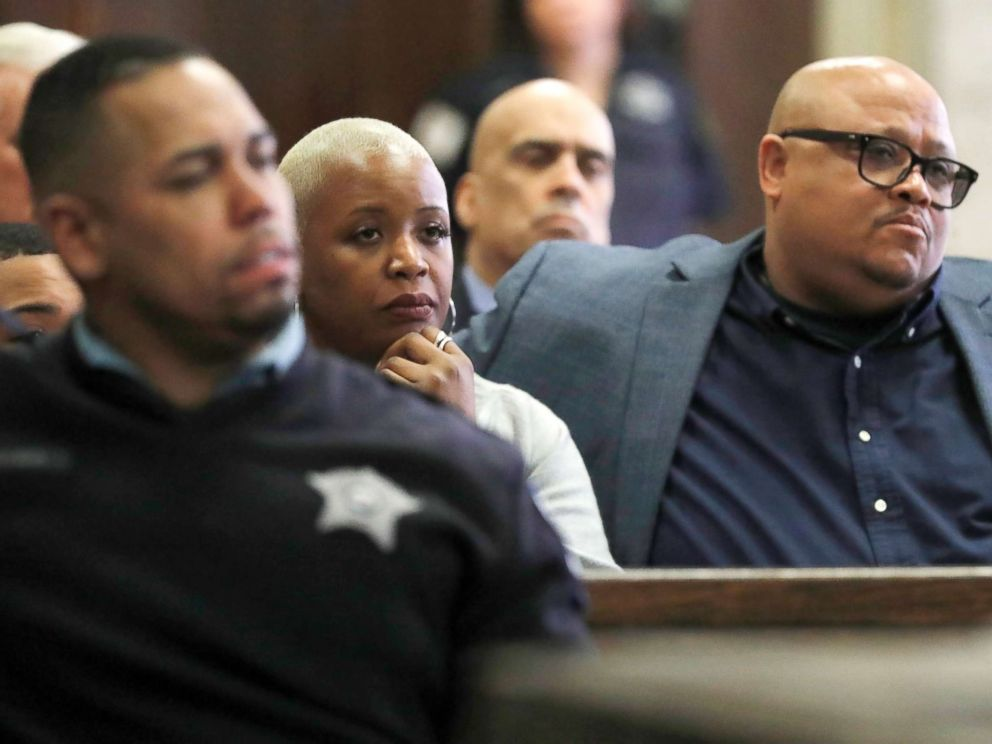 PHOTO: Cleopatra Cowley and Nathaniel Pendleton Sr., parents of Hadiya Pendleton, listen during the sentencing hearing of Micheail Ward at the Leighton Criminal Court Building in Chicago, Jan. 14, 2019 in Chicago.