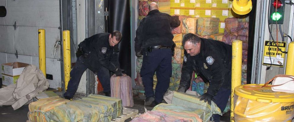 PHOTO: Federal agents in and around New York seized a shipment of cocaine worth approximately $77 million at the port of Port of New York/Newark on Feb. 28, 2019.