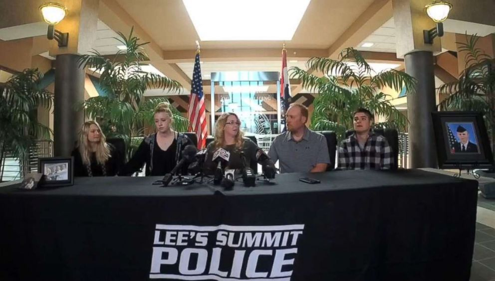 PHOTO: The family of Cody Harter is seen here during a press conference. Cody Harter, 24, was stabbed to death following a possible road-rage incident on a Missouri highway.