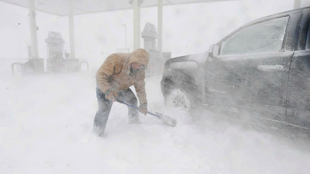 Blizzard cripples the High Plains as gusty winds cover central US thumbnail