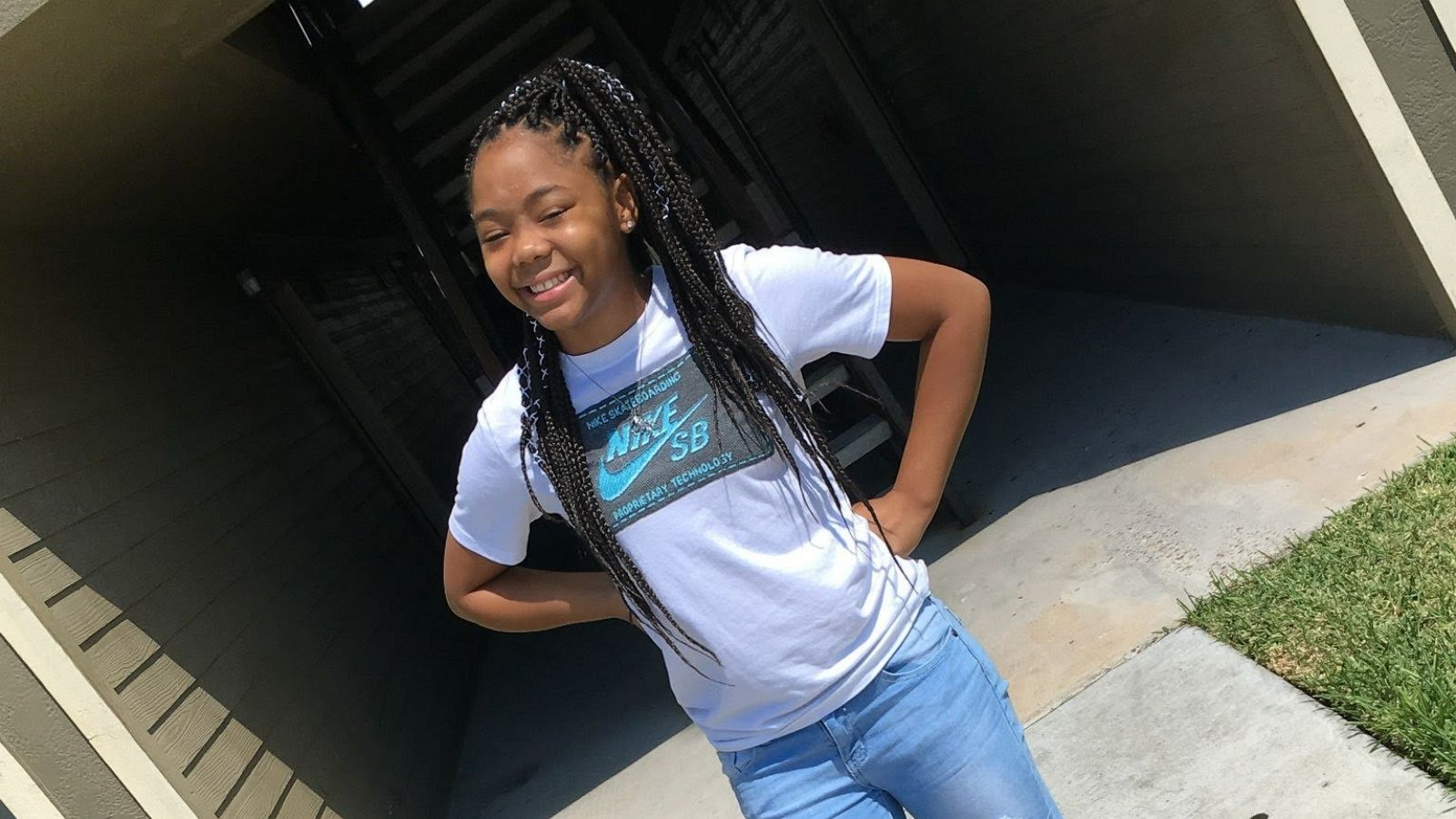 13 Year Old Houston Girl Dies After Being Jumped By Classmates While Walking Home From School Abc News