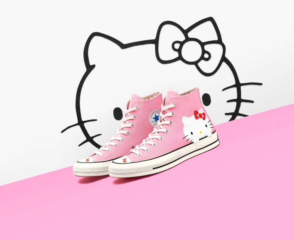 These Converse Chuck 70 pink high-tops feature a classic Hello Kitty design. 87f5dc9cc