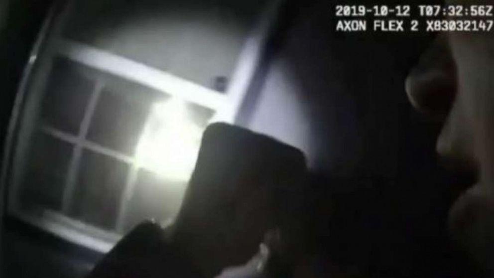 Offizier gesehen auf bodycam Schießen, töten Frau in Ihrem eigenen Haus