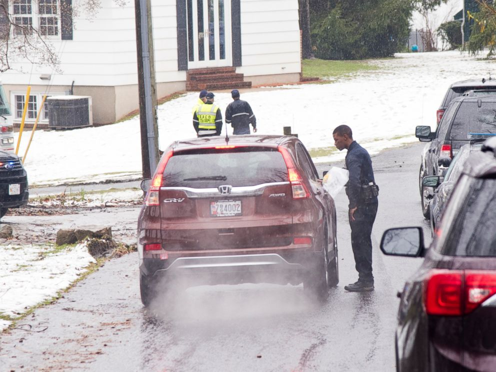 PHOTO: Police investigate the scene of a suspected murder and suicide in Crownsville, Md., March 7th, 2018.