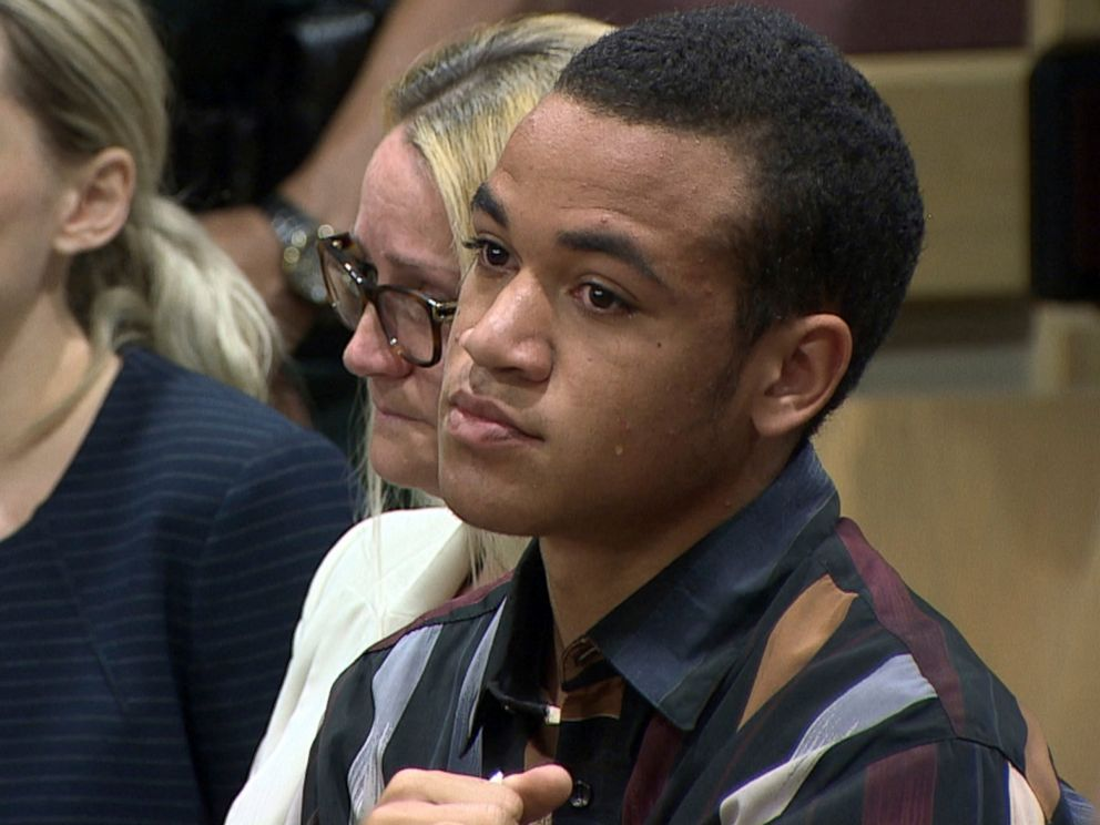 PHOTO: This frame grab shows Zachary Cruz crying as his brother, Nikolas Cruz is arraigned at the Broward County Courthouse in Fort Lauderdale, Fla., March 14, 2018.