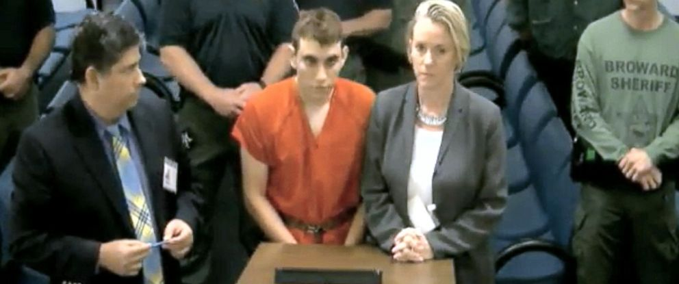 PHOTO: Suspect Nikolas Cruz appears in court to faces charges in the mass shooting at a Parkland high school shooting, Feb. 15, 2018.