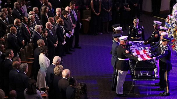 Barack Obama, Clintons, family honor Elijah Cummings at funeral