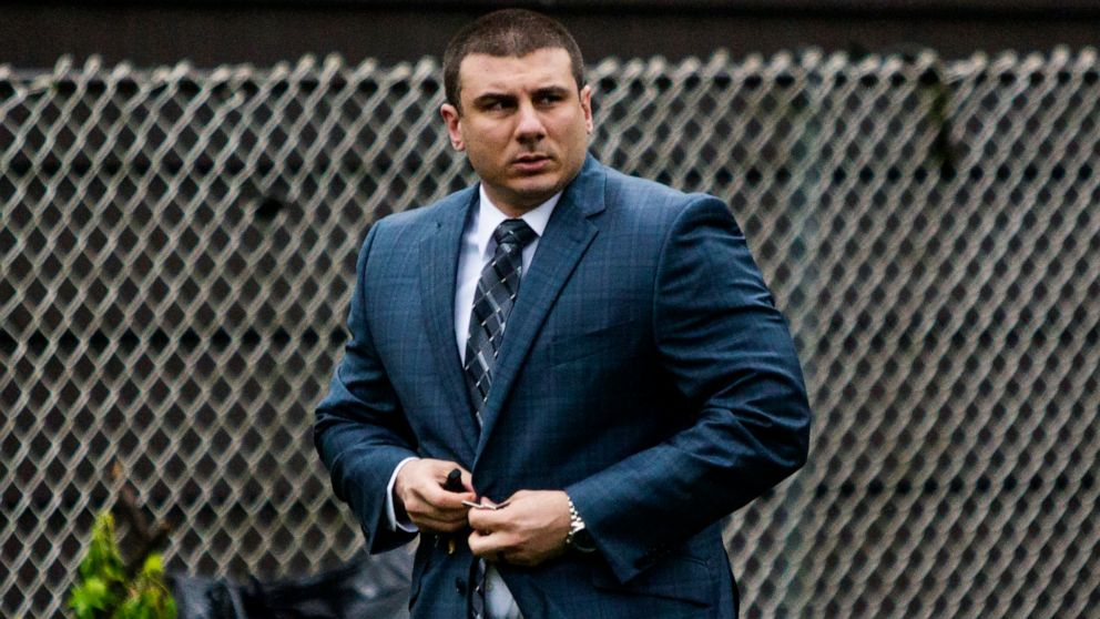 Justice Dept will not file charges against officer involved in Eric Garner's death thumbnail