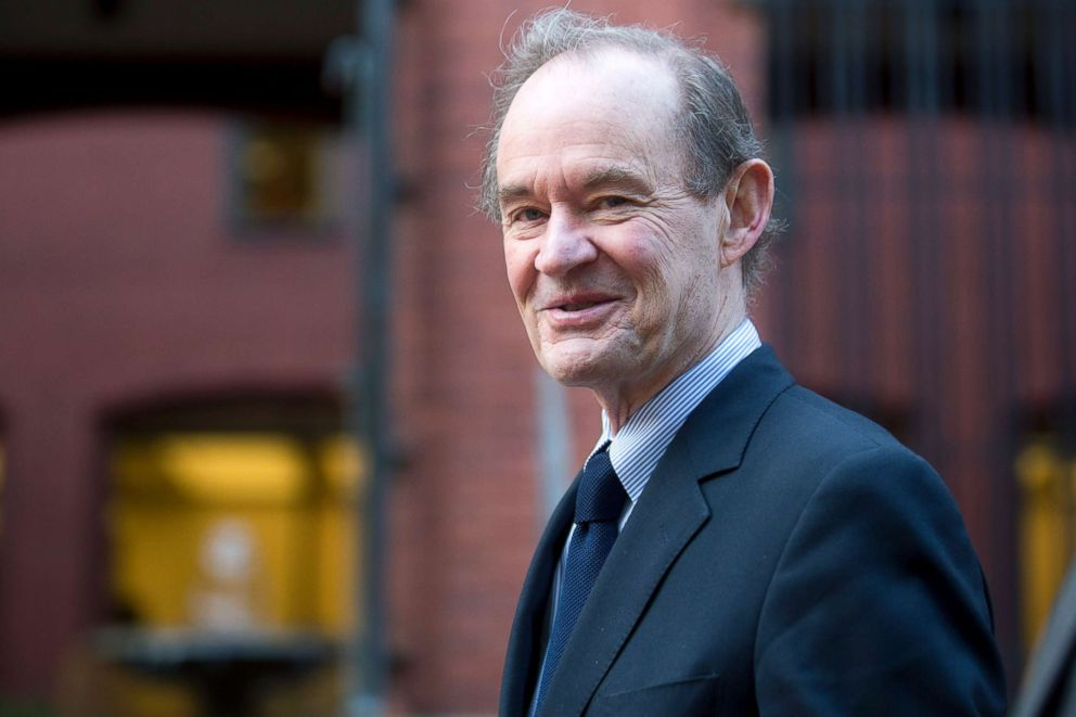 PHOTO: Attorney David Boies arrives to the U.S. Court of Federal Claims in Washington, D.C., Oct. 7, 2014.