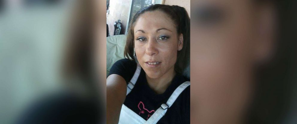 Authorities searching for mother of 4 who mysteriously vanished