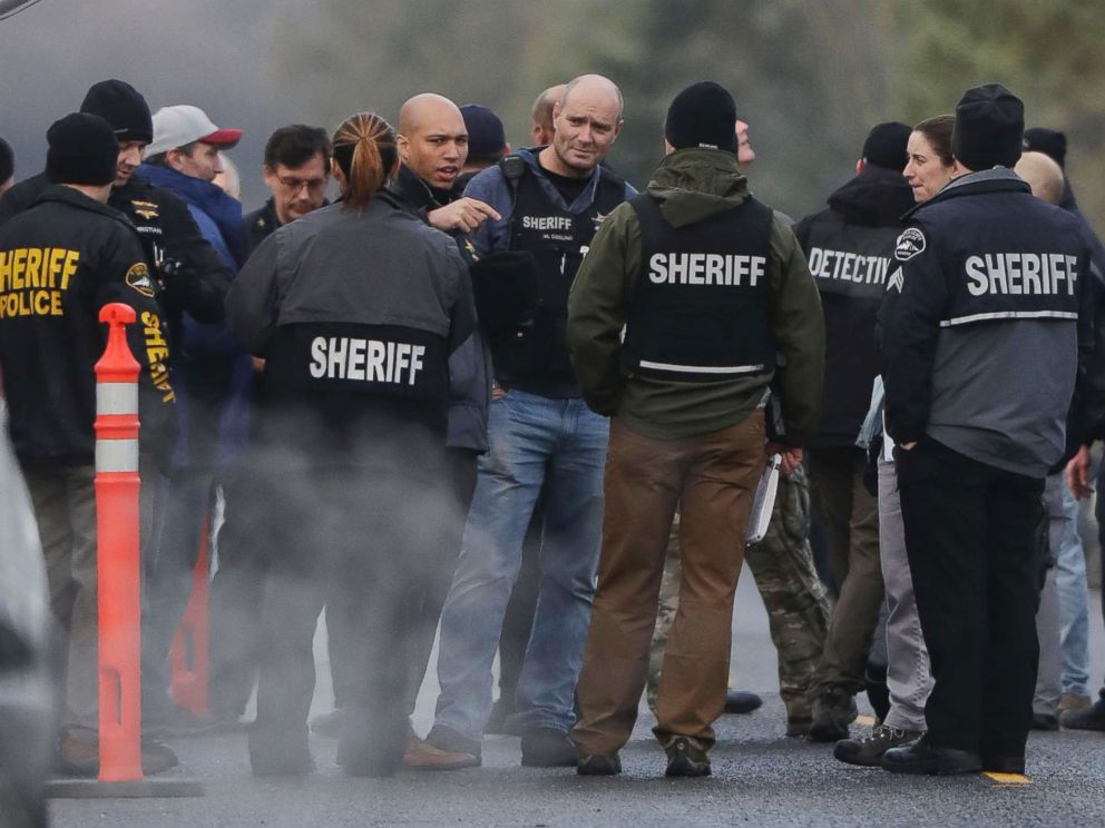 PHOTO: Pierce County Sheriff and other law enforcement officials gather, Jan. 8, 2018, in Frederickson, Wash., near the scene of the fatal shooting of a Pierce County Sheriffs deputy.