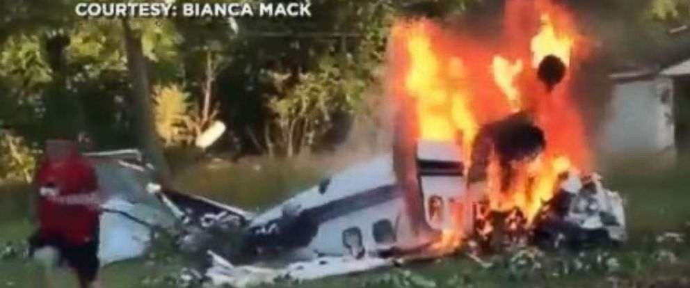 Two died in a small plane crash Sunday in Detroit.
