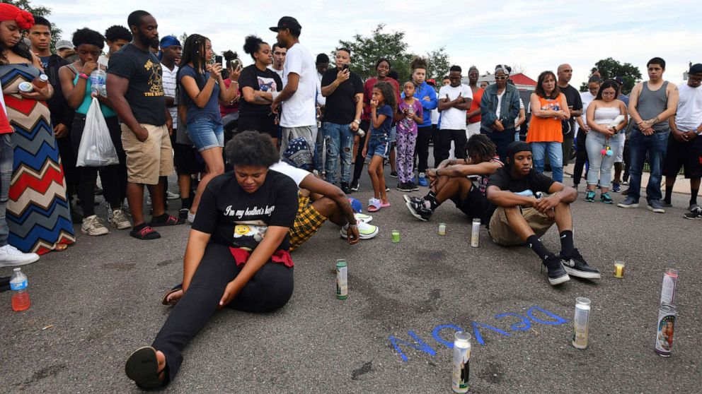 Police will not face charges in fatal shooting of black man in Colorado thumbnail