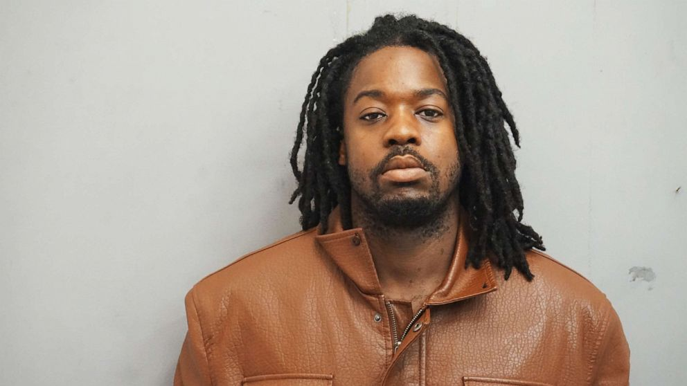 Suspect in murder of UIC student 'was angry' she ignored his catcalls: Prosecutors thumbnail