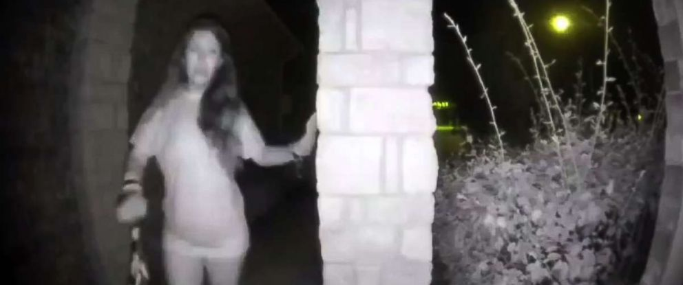 PHOTO: Police in Texas are searching for a mystery woman who rang the doorbell of a home in the dead of night, partially dressed and wearing what appeared to be broken restraints on both wrists.