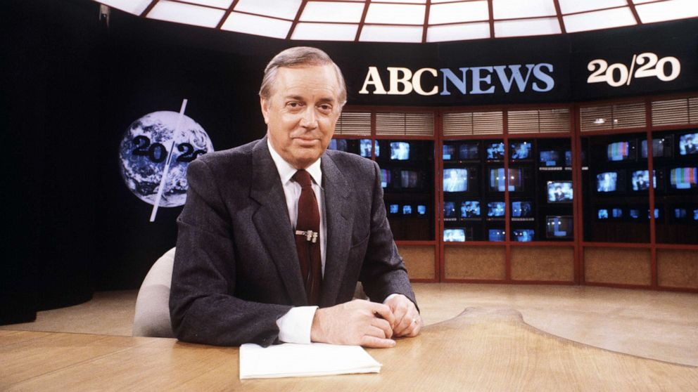 Hugh Downs whose broadcasting career spanned a century dies at 99 – ABC News