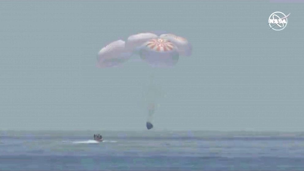 SpaceX Dragon astronauts safely back on Earth after Florida splashdown