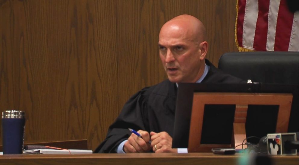 Judge Apologizes For Taping Defendant S Mouth Shut Says