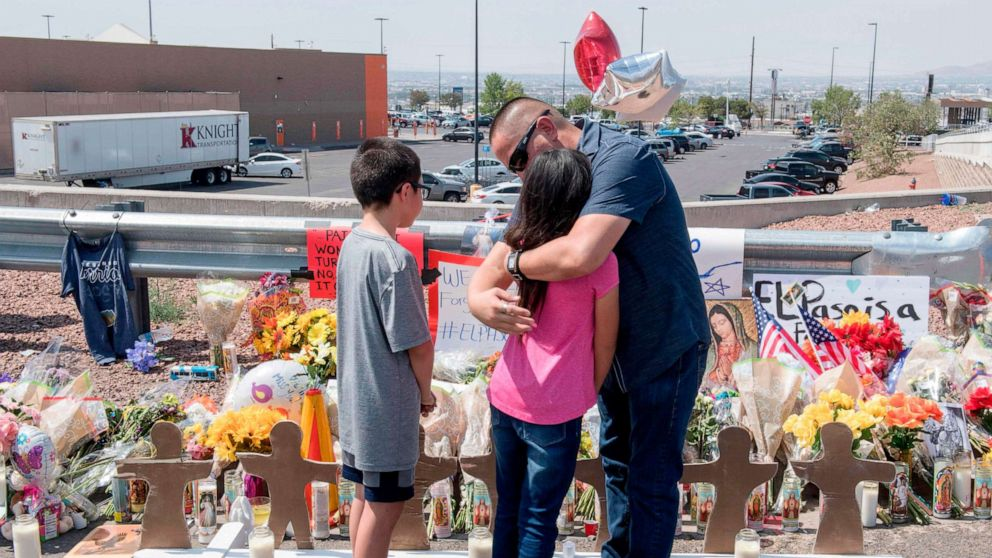 Police: El Paso shooting suspect said he targeted Mexicans thumbnail