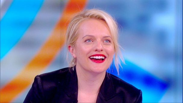 Watch Elisabeth Moss react to the cast of 'The Handmaid's Tale' dancing to Taylor Swift's 'Me'
