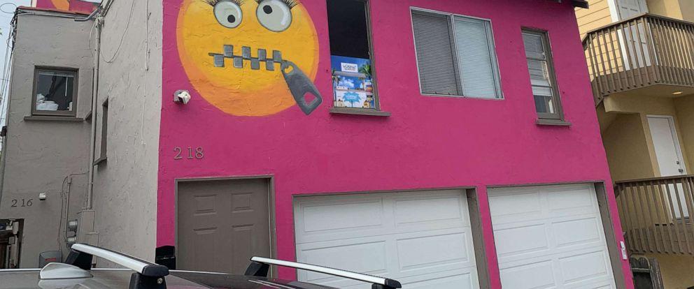 Pink emoji house causes stir in California beach town - ABC News